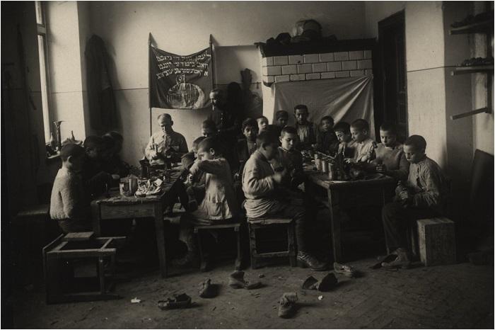 Дом подростков в Минске, 1922 год.